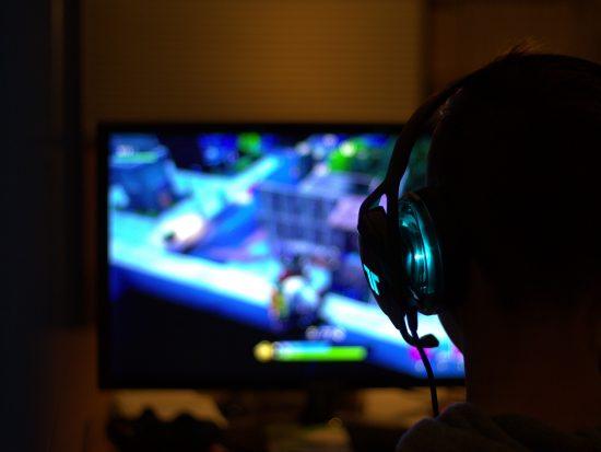 Gamer playing Fortnite