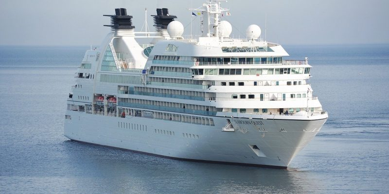 Picture of a cruise ship.